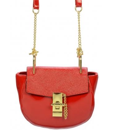Červená lakovaná crossbody kabelka so zlatou aplikáciou C18SL011RED  - Grosso
