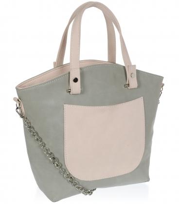Sivo-pudrová elegantná kabelka na striebornej retiazke V18SM052GRY - GROSSO