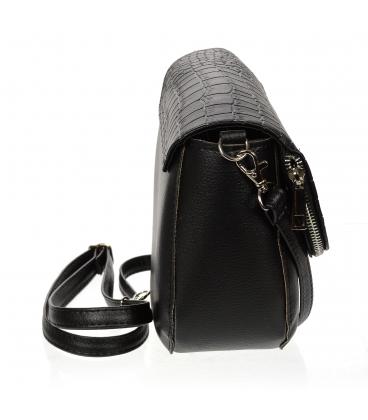 Čierna crossbody kabelka so zipsom 20M002