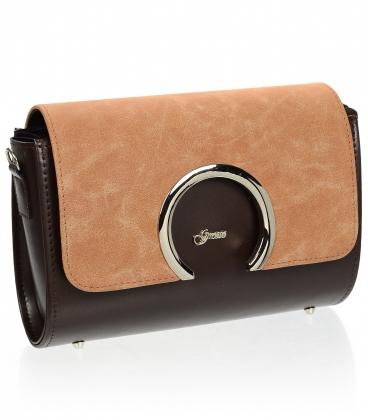 Hnědá crossbody kabelka s jemným vzorom a ozdobným zapínaním km0013 brown