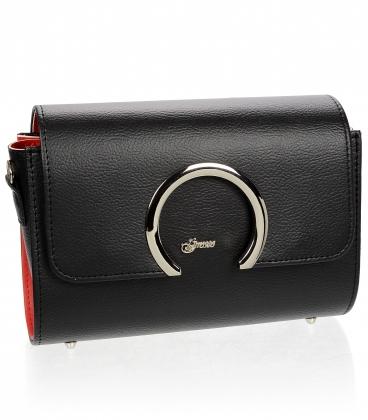 Čierna crossbody kabelka s jemným vzorom a ozdobným zapínaním km0013 brown