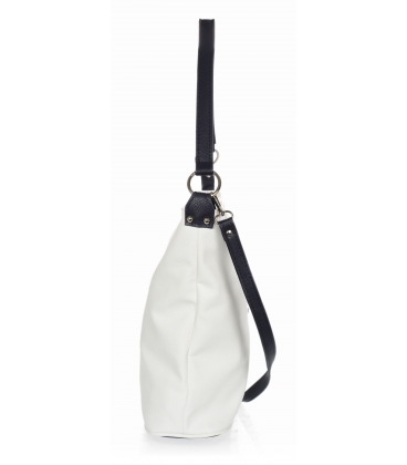 Biela kabelka s bočnými zipsami a červeným príveskom V18SM401