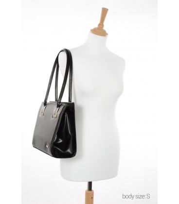 Čierna elegantná kabelka s ozdobnými sponami V20M001black - GROSSO