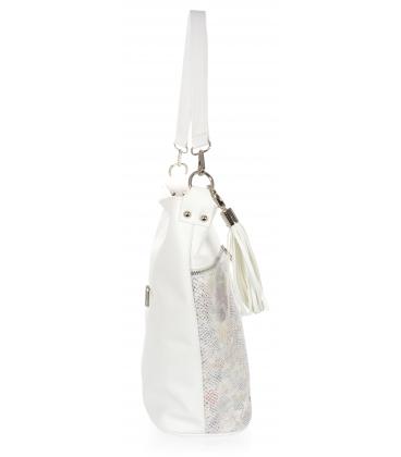 Biela kabelka s farebným vzorom a príveskom 21V0004whitecolor