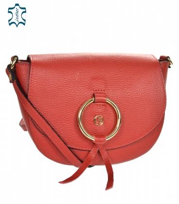 Červená kožená crossbody kabelka s ozdobným zlatým kroužkem GS106 RED GROSSO